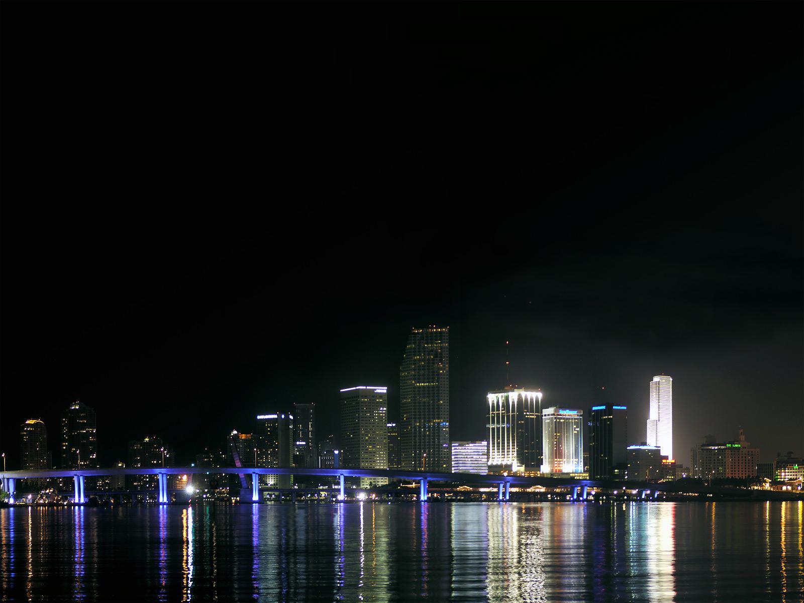 Downtown miami at night, miami city, florida